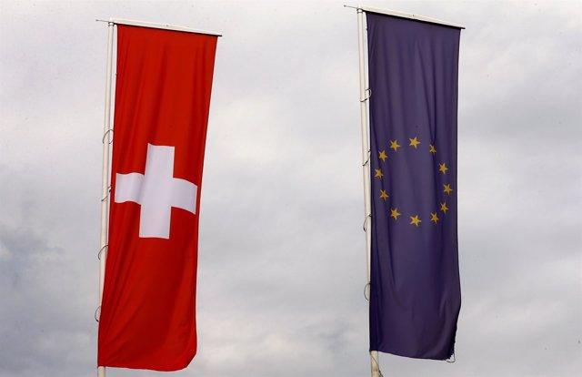 Banderas de Suiza y la UE