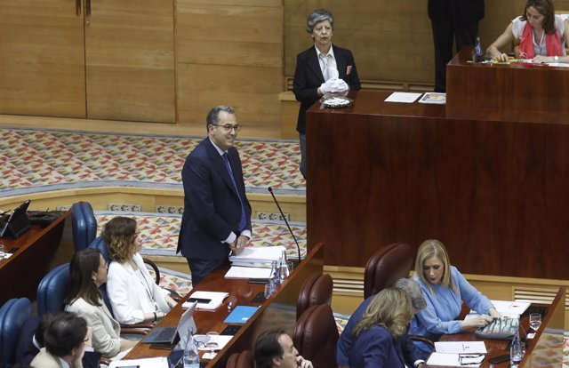 Enrique Ossorio durante la moción de censura a Cifuentes