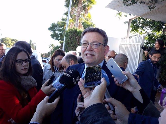 Ximo Puig en atención a los medios en Alicante
