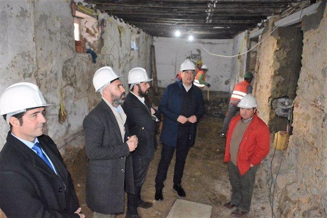 Visita obra rehabilitación de viviendas en San Roque