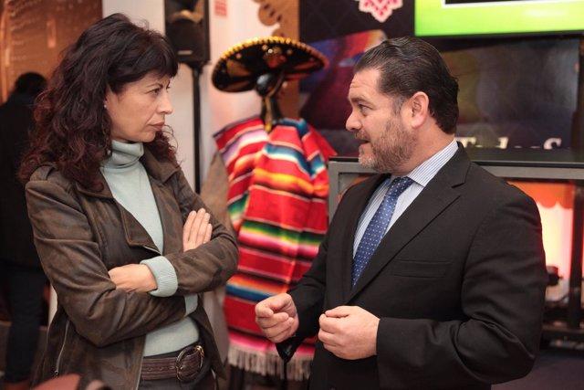 La concejal Ana Redondo, junto al representante de Guanajuato