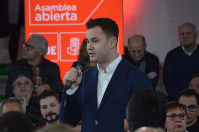 El l secretario general del PSOE en León, Javier Alfonso Cendón.