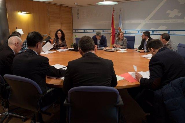 Ethel Vázquez e a comisión de seguimento do plan de transporte público