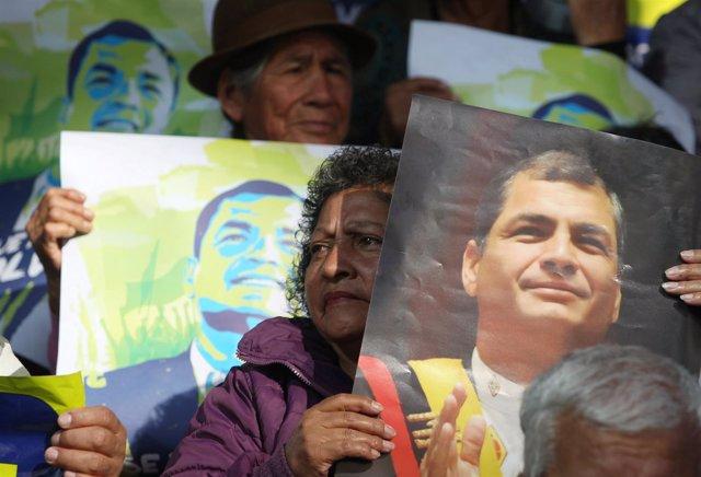 Simpatizantes del ex presidente ecuatoriano Rafael Correa