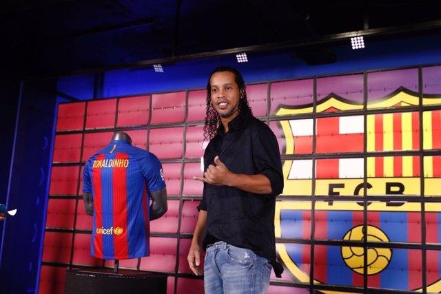 Ronaldinho, nuevo embajador del FC Barcelona como 'Legend' del club