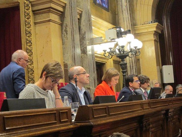 La mesa del Parlament en un pleno anterior