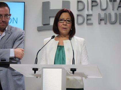 Alcaldesa de Punta Umbría condena el acto vandálico contra Hernández Cansino tras la quema de su vehículo