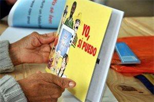 El método 'Yo, sí puedo' que alfabetizó a 8 millones de adultos en Iberoamérica