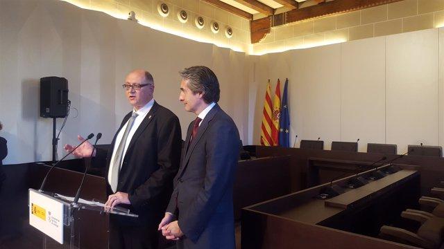El alcalde de Sant Feliu de Ll. Jordi San José y el ministro Í.De la Serna