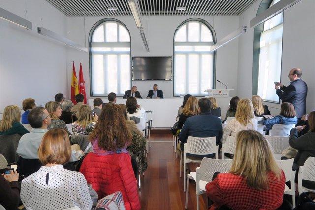 Nota, Audio Y Fotos: La Comunidad De Madrid Firma Un Convenio Con Unicef Para Co