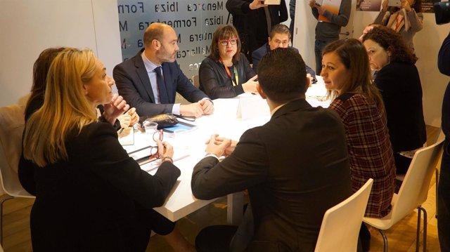 Armengol, Cladera y Busquets durante una reunión en Fitur