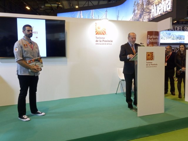 Rodríguez Villalobos y el chef Enrique Sánchez, en Fitur 2018