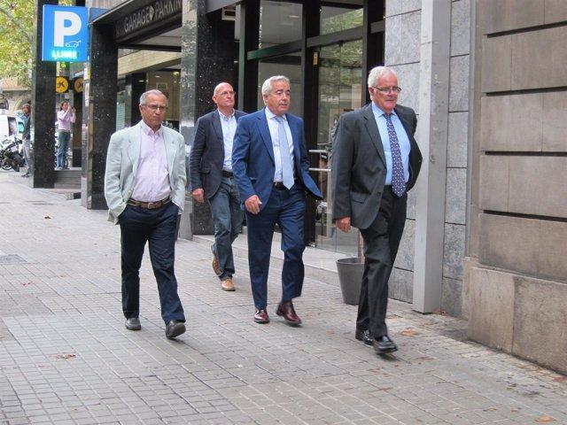 El nuevo fiscal superior, Francisco Bañeres (centro), junto a sus antecesores