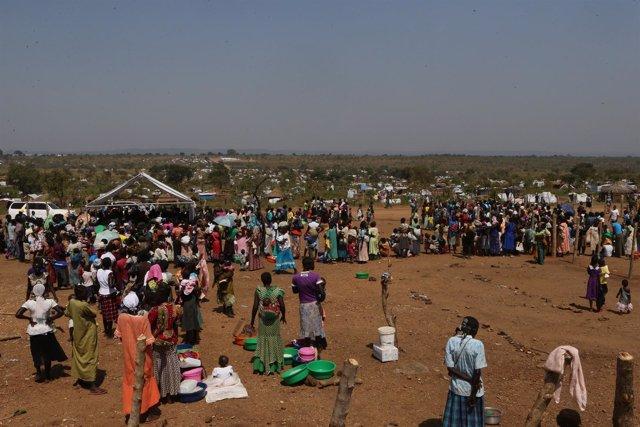 Refugiados sursudaneses en el campo de refugiados de Bidi Bidi