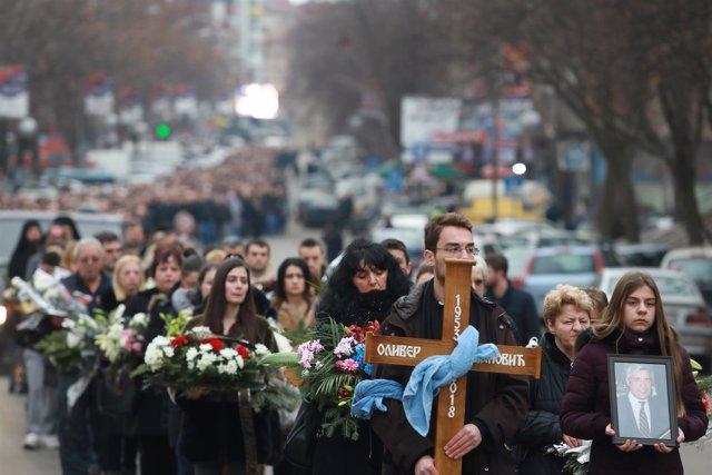 Marcha fúnebre por Oliver Ivanovic