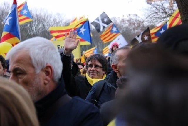 Puigdemont en la manifestación independentista en Bruselas