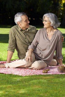 Vitalidad. Mayores. Envejecimiento sano. Pareja de enamorados.