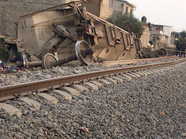 Descarrila un tren de mercancías en el Estado de México