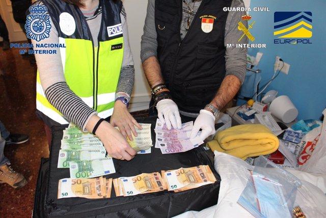 Dinero intervenido en la operación