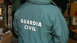 Un agente de la Guardia Civil