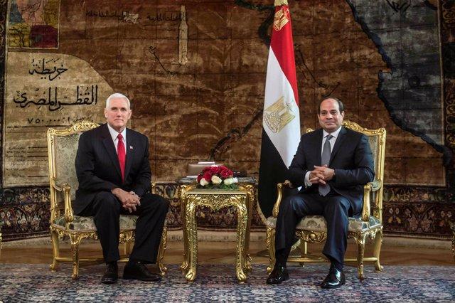 Abdelfatá al Sisi recibe en Egito al viceresidente de EEUU, Mike Pence