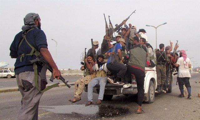 Milicianos suryemeníes en Adén