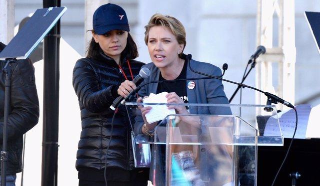 Scarlett Johansson y Mila Kunis