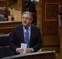 Zoido dice que se sigue a Puigdemont para que no pueda