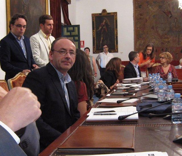 Francisco Juan Martín durante un Pleno de la Diputación