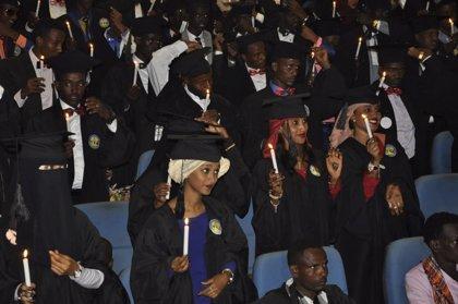 Un total de 60 jóvenes etíopes becadas por Amref Salud África se gradúan para ser matronas