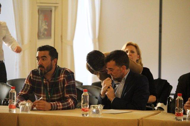 Reunión con 'Jaén merece más' en el Parlamento andaluz
