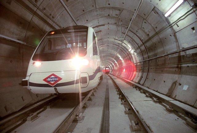 Tren en Metro de Madrid
