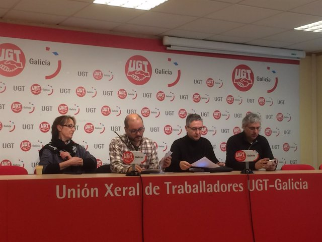 Representantes sindicales, en rueda de prensa sobre el conflicto de Xustiza