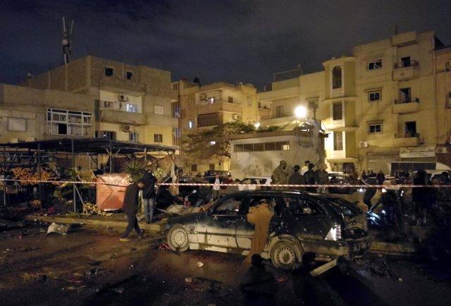 Doble atentado con coche bomba en Benghazi (Libia)