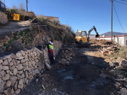 Las obras de la Diputación en Alcolea permitirán abrir al tráfico un antiguo camino
