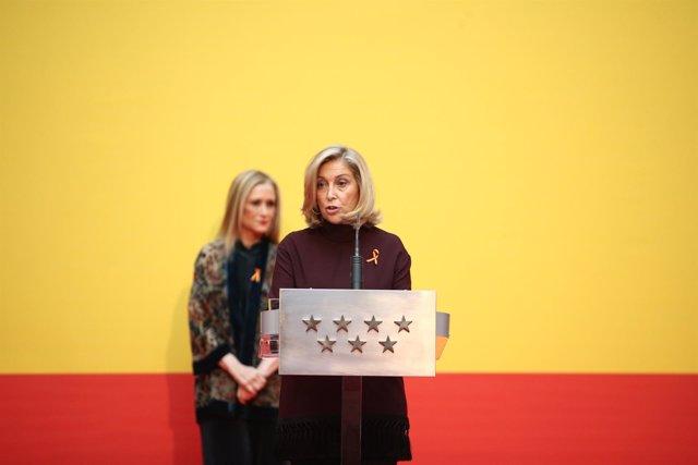 Cristina Cifuentes y Concepción Dancausa en el acto homenaje a la Constitución