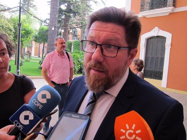 El consejero de Agricultura, Rodrigo Sánchez Haro.