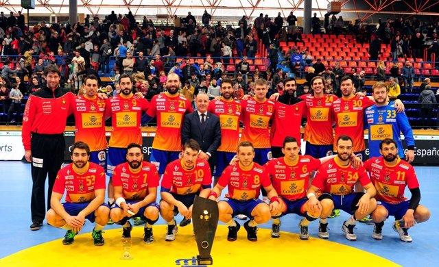 Los Hispanos conquistan el Torneo Internacional de España de balonmano