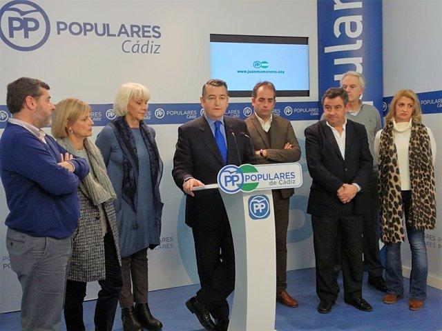 Antonio Sanz con miembros de la Ejecutiva en Cádiz