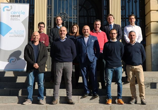 La nueva junta directiva de Círculo Cecot de Jóvenes Empresarios