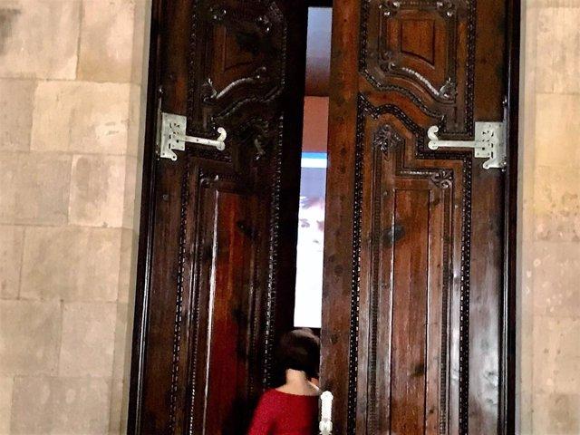 Videoconferencia Carles Puigdemont al reunirse JxCat en el Parlament