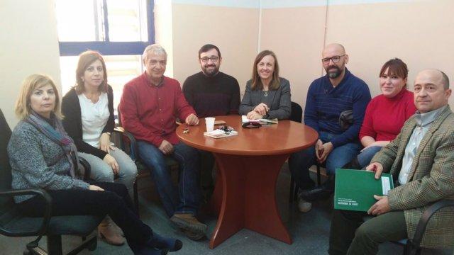 Fernández reunida con el equipo directivo del CEIP de Pechina