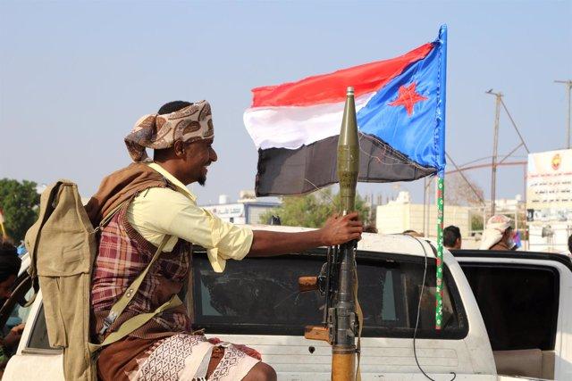 Guardaespaldas del líder separatista del sur de Yemen en Adén