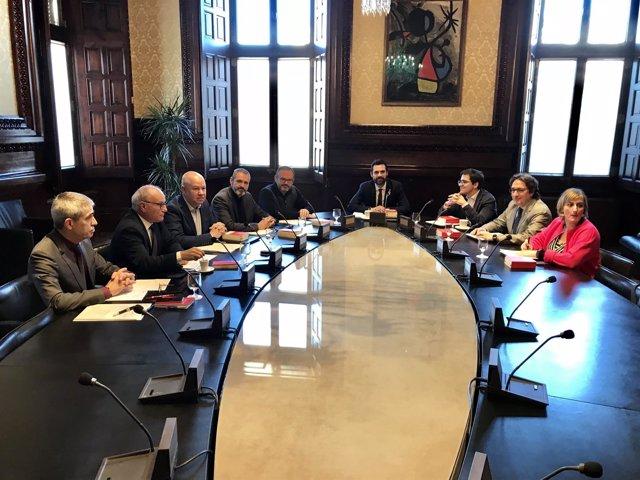 Reunión de la Mesa del Parlament presidida por Roger Torrent