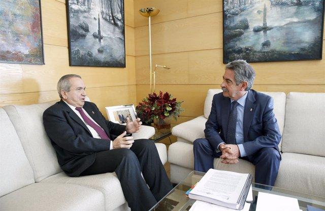 Gobierno De Cantabria El Presidente De Cantabria, Miguel Ángel Revilla, Recibe