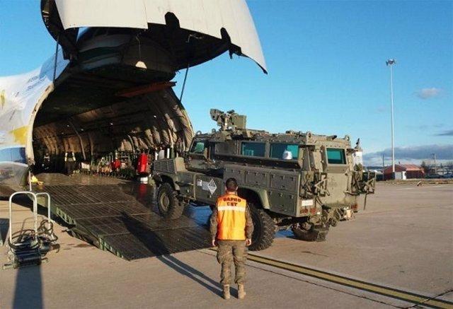 Traslado de material para la misión de Malí