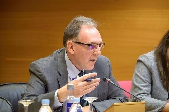 El exsecretario autonómico de educación Rafael Carbonell comaperece en las Corts