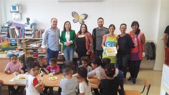 Fernández visita el CPR Historiador Padre Tapia de Níjar