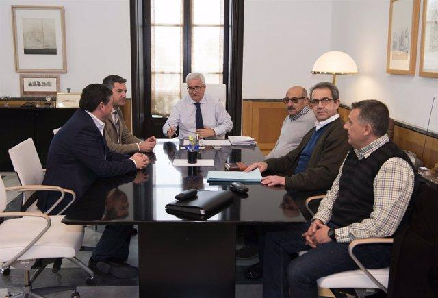 Jiménez Barrios reunido con trabajadores Base de Rota