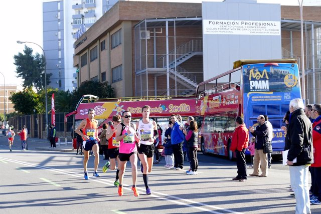 Corredores en la Maratón de Sevilla.